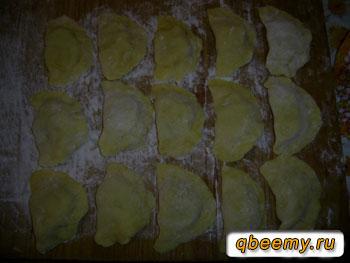 Лепим вареники с картошкой