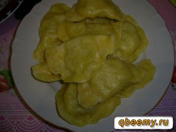 Готовые вареники с картошкой